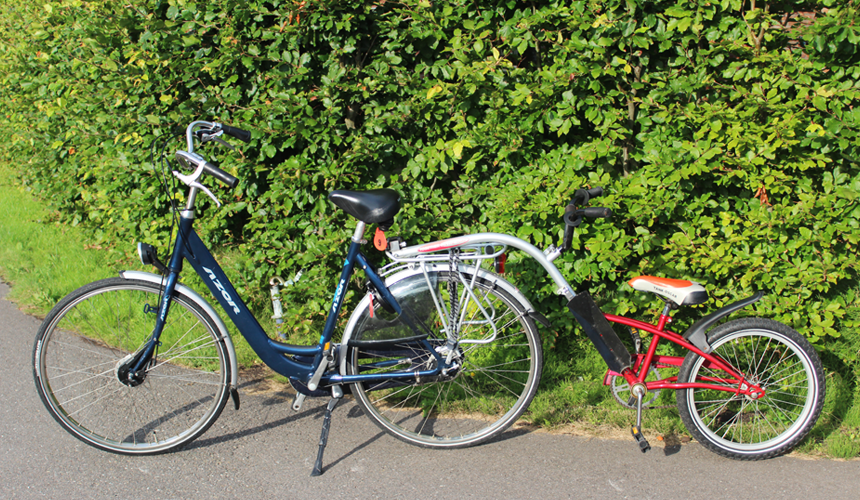 Une remorque à vélo